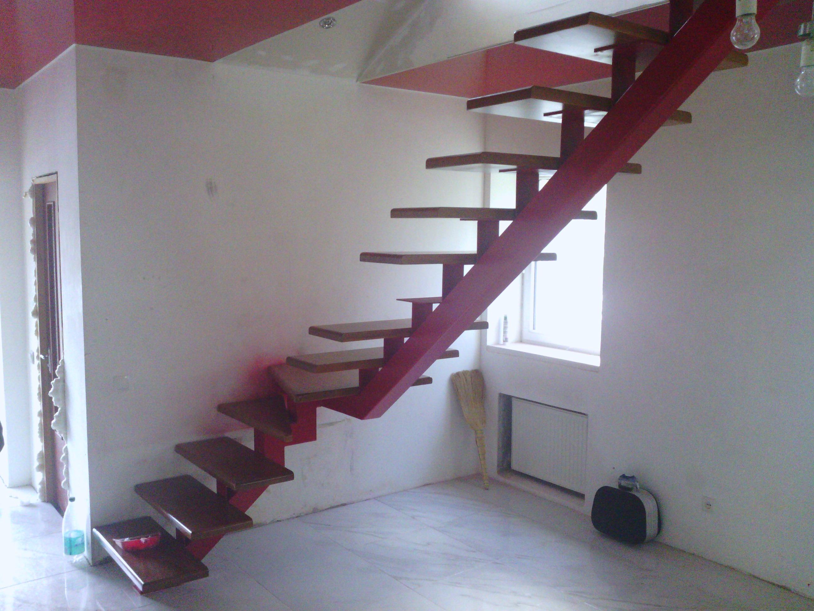 Лестница поворотная с одним косоуром своими руками
